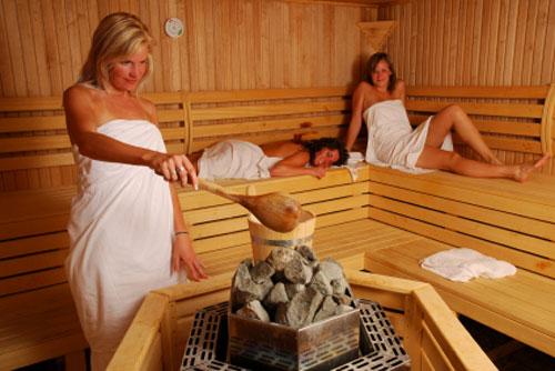 basta un semplice bagno di calore per far traspirare e far eliminare attraverso il sudore le tossine e i rifiuti della pelle il bagno turco non solo un